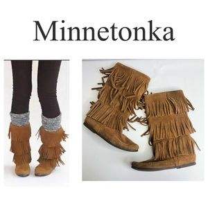 Minnetonka 3 Layer Fringe Suede Moccasin Boots